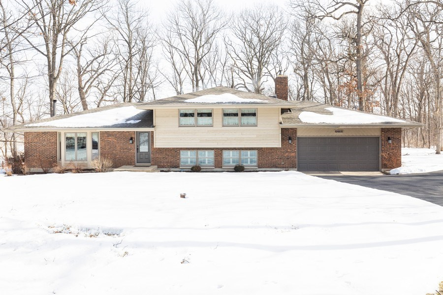 Real Estate Photography - 4N621 Deerslayer, Elburn, IL, 60119 - Front View