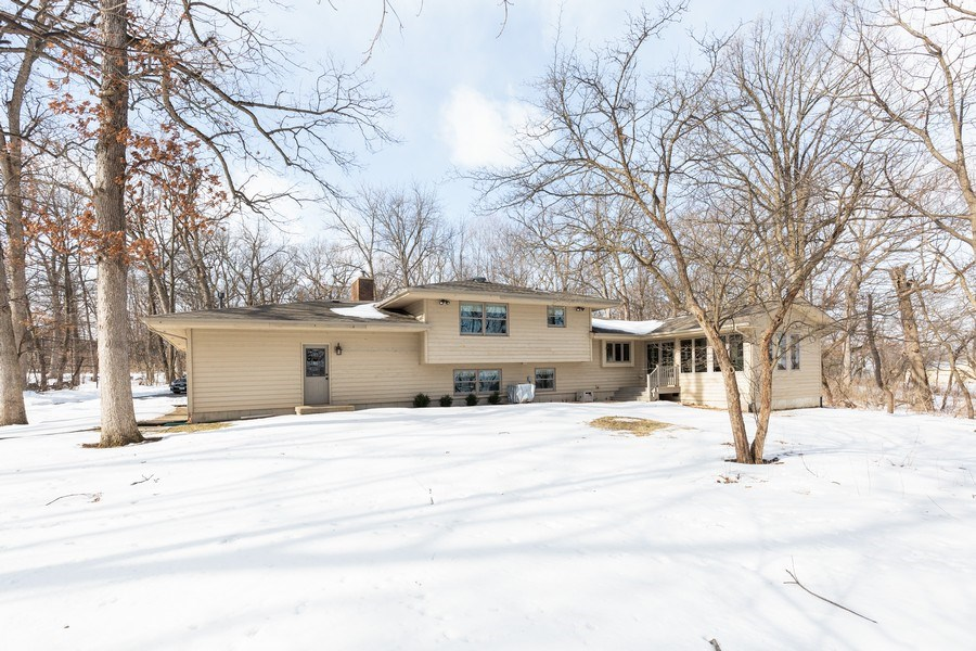 Real Estate Photography - 4N621 Deerslayer, Elburn, IL, 60119 - Rear View