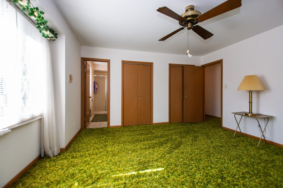 Real Estate Photography - 18W155, BELAIRE, DARIEN, IL, 60561 - Master Bedroom