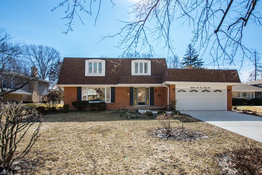 Real Estate Photography - 18W155, BELAIRE, DARIEN, IL, 60561 - Front View