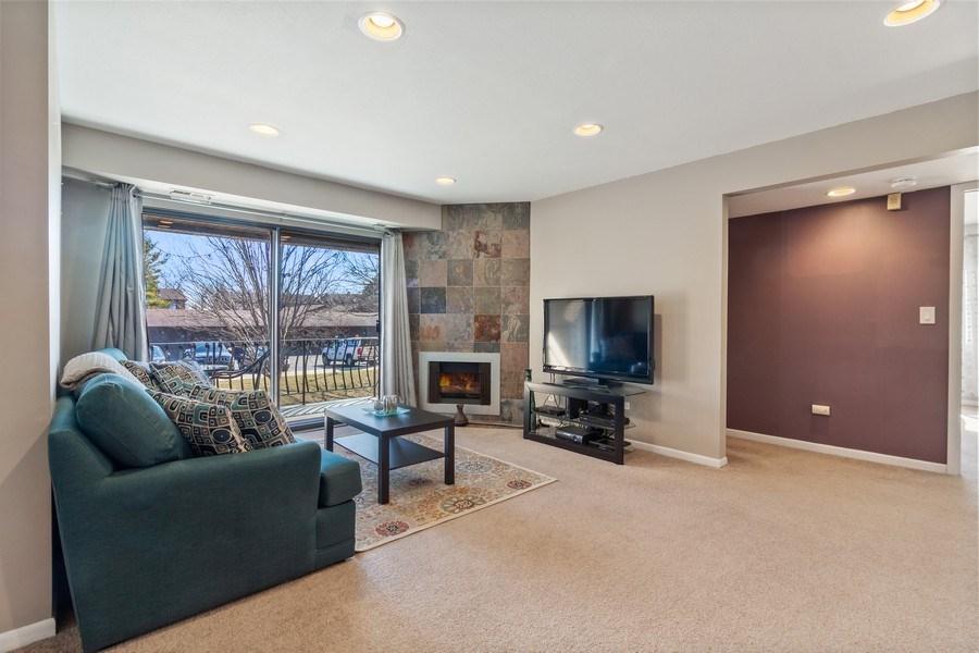 Real Estate Photography - 2212 Wharf Dr Apt 2107, Woodridge, IL, 60517 - Living Room
