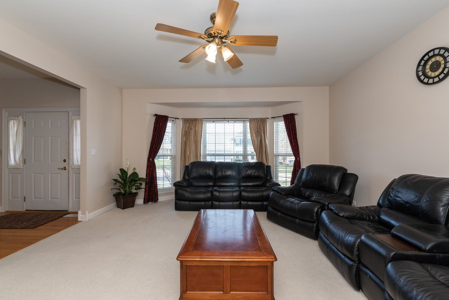 Real Estate Photography - 141 Hearthstone Dr, Bartlett, IL, 60103 - Living Room