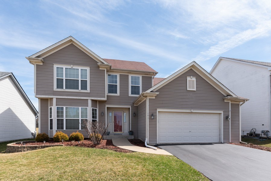 Real Estate Photography - 141 Hearthstone Dr, Bartlett, IL, 60103 - Front View