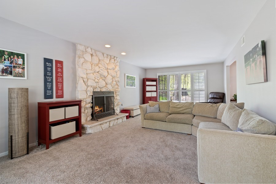Real Estate Photography - 16660 Manitou Rd, Homer Glen, IL, 60491 - Living Room