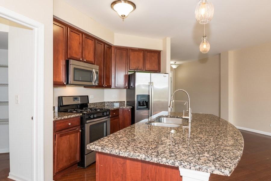 Real Estate Photography - 1271 Church Court, Aurora, IL, 60502 - Kitchen