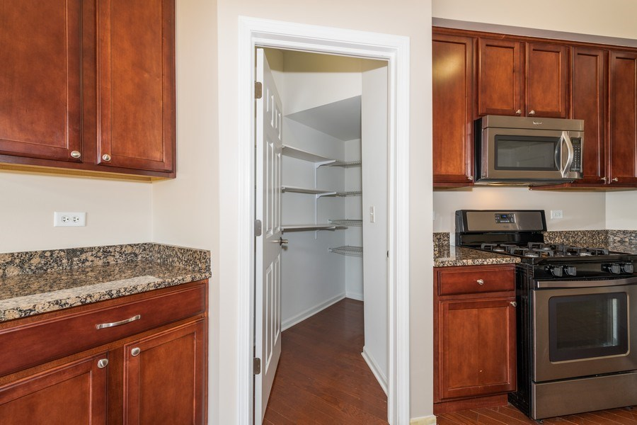 Real Estate Photography - 1271 Church Court, Aurora, IL, 60502 - Butler's pantry