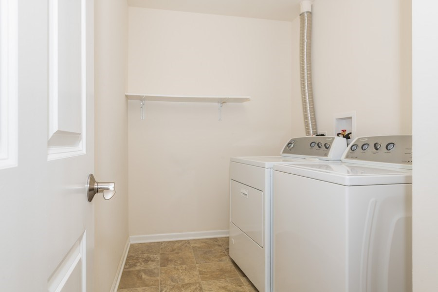Real Estate Photography - 1271 Church Court, Aurora, IL, 60502 - Laundry Room