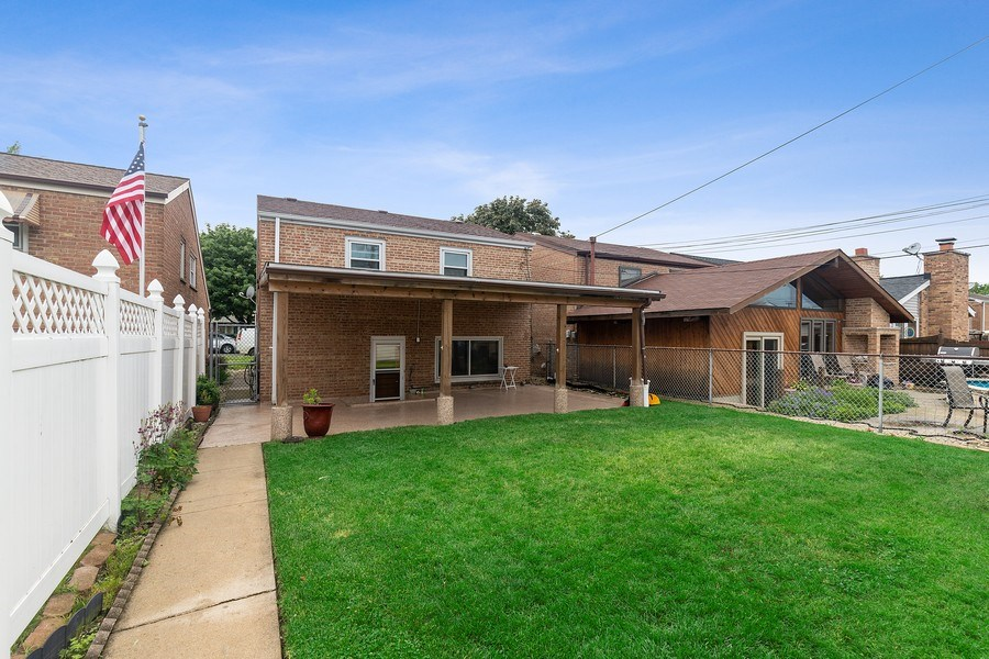 Real Estate Photography - 5943 S PARKSIDE, Chicago, IL, 60638 - Back Yard