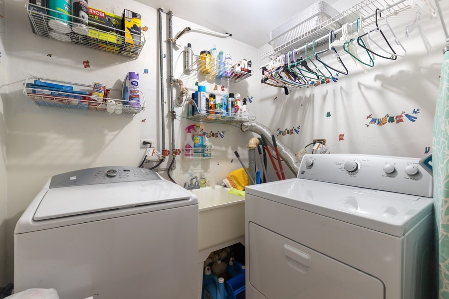 Real Estate Photography - 5943 S PARKSIDE, Chicago, IL, 60638 - Laundry Room
