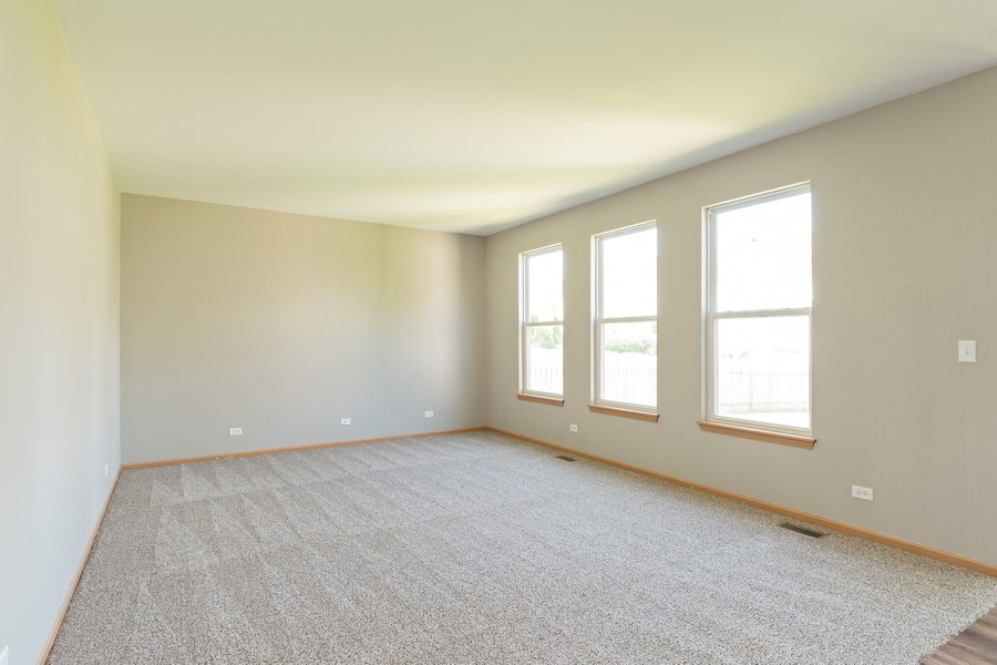 Real Estate Photography - 2016 bluemist drive, aurora, IL, 60504 - Family Room