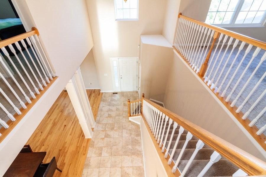 Real Estate Photography - 261 Hanburg Ln, Bolingbrook, IL, 60440 - Foyer