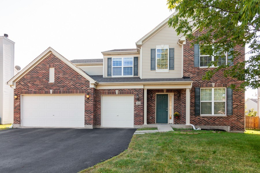 Real Estate Photography - 261 Hanburg Ln, Bolingbrook, IL, 60440 - Front View