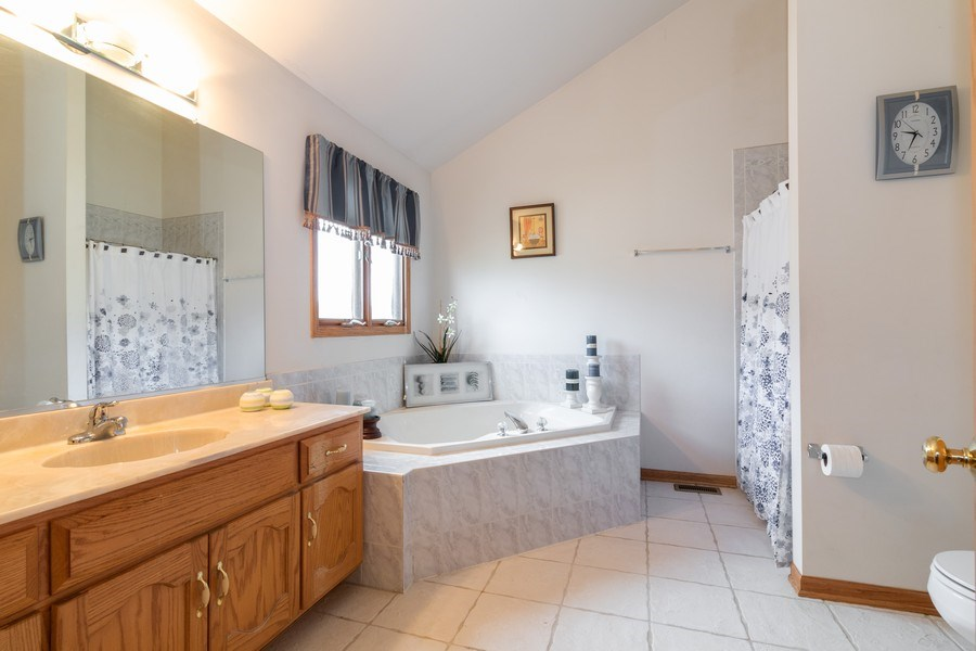Real Estate Photography - 8909 Kilkenny Drive, Darien, IL, 60561 - Master Bathroom