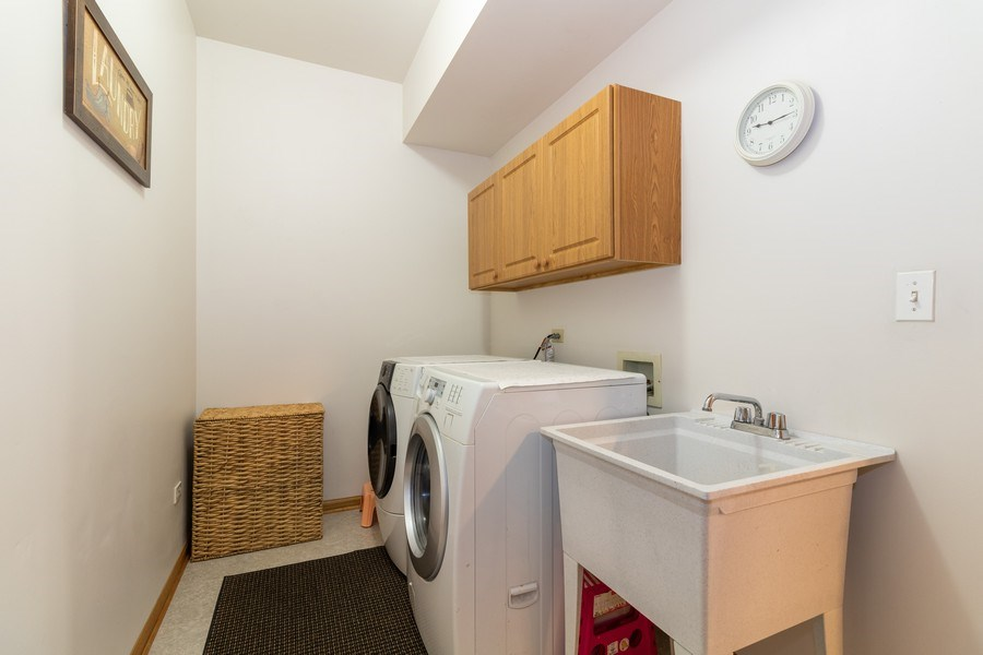 Real Estate Photography - 8909 Kilkenny Drive, Darien, IL, 60561 - Laundry Room