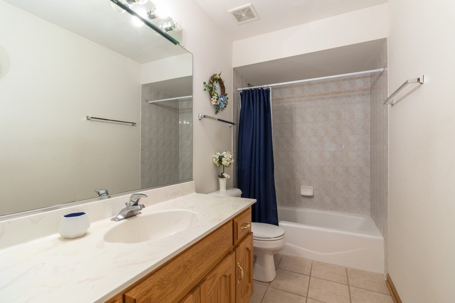 Real Estate Photography - 8909 Kilkenny Drive, Darien, IL, 60561 - Bathroom