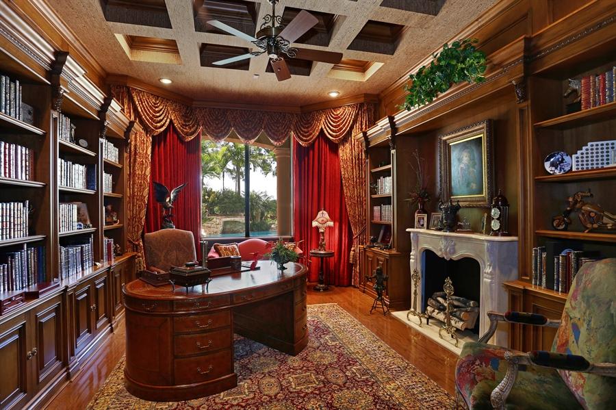 Real Estate Photography - 7730 Woodsmiur Dr, West Palm Beach, FL, 33412 - Office