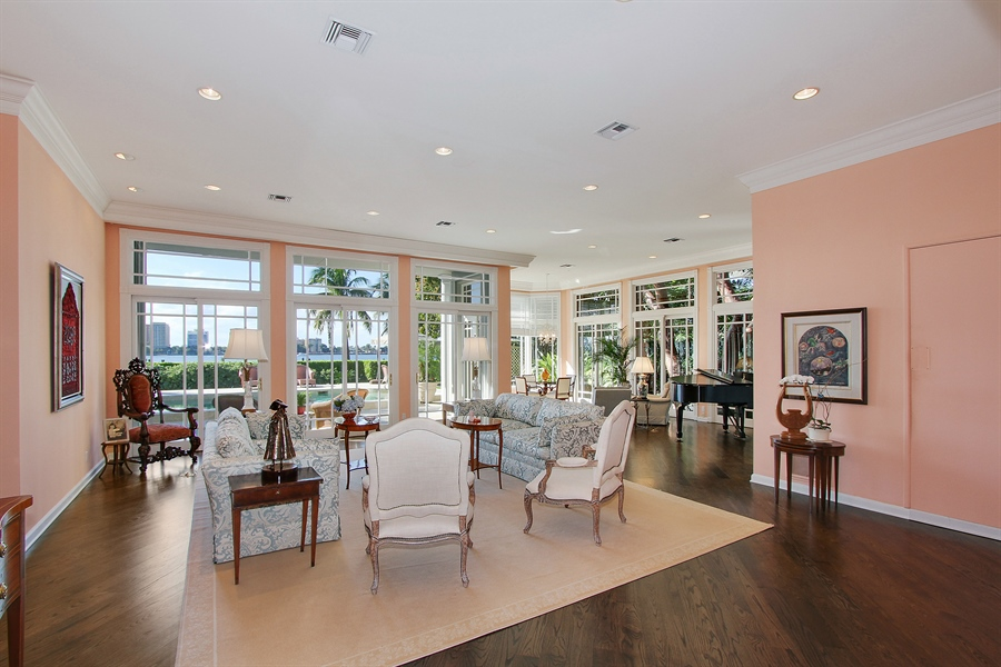 Real Estate Photography - 377 N Lake Way, Palm Beach, FL, 33480 - Living Room