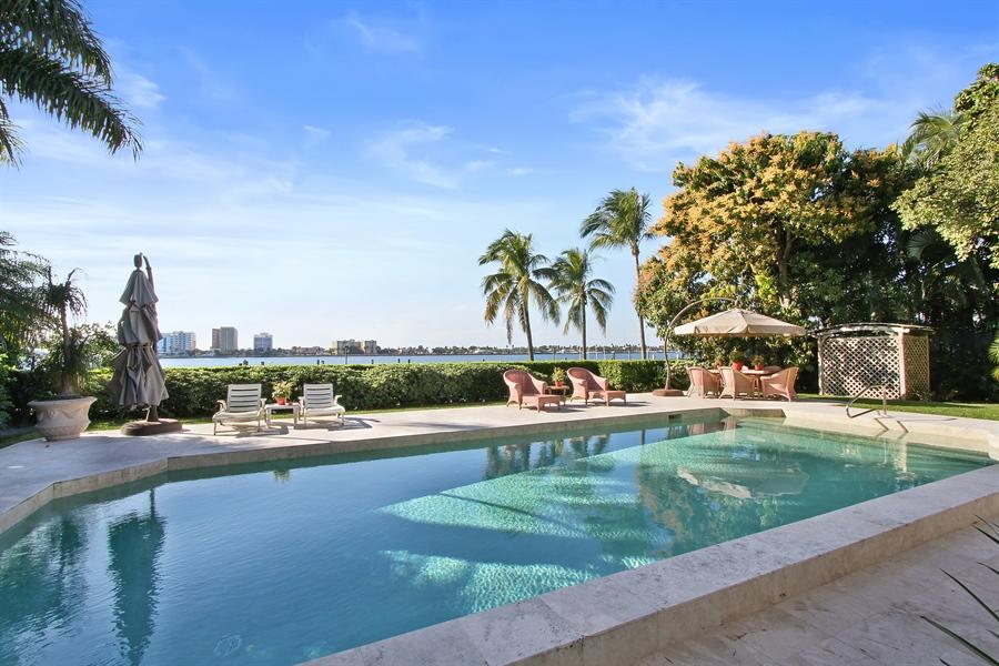 Real Estate Photography - 377 N Lake Way, Palm Beach, FL, 33480 - Back Yard