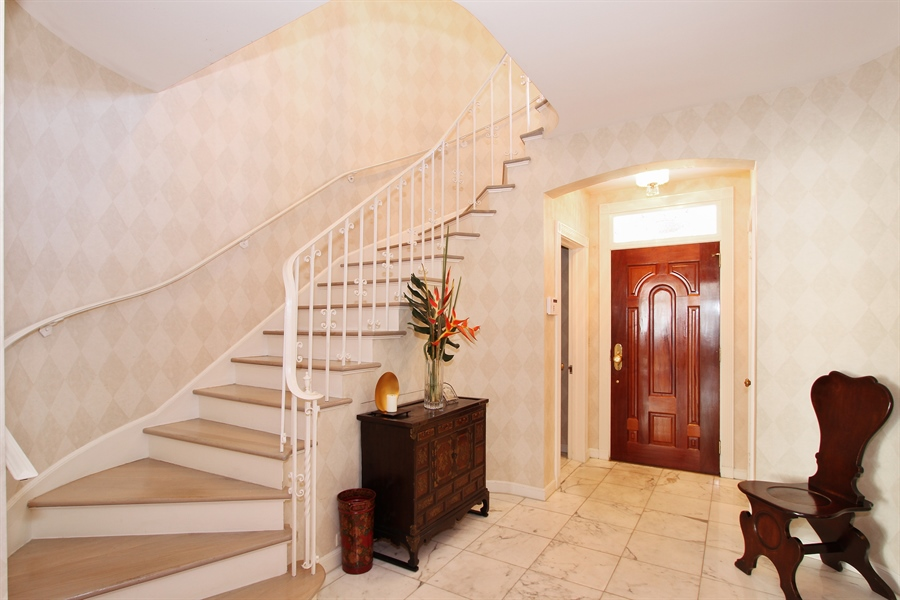 Real Estate Photography - 377 N Lake Way, Palm Beach, FL, 33480 - Foyer