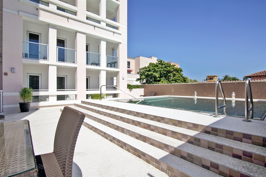 Real Estate Photography - 455 E Palmetto Park Rd, Unit 7W, Boca Raton, FL, 33432 - Pool