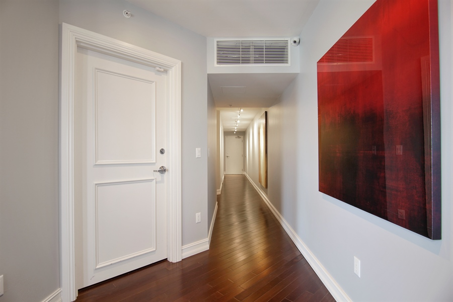 Real Estate Photography - 455 E Palmetto Park Rd, Unit 7W, Boca Raton, FL, 33432 - Hallway