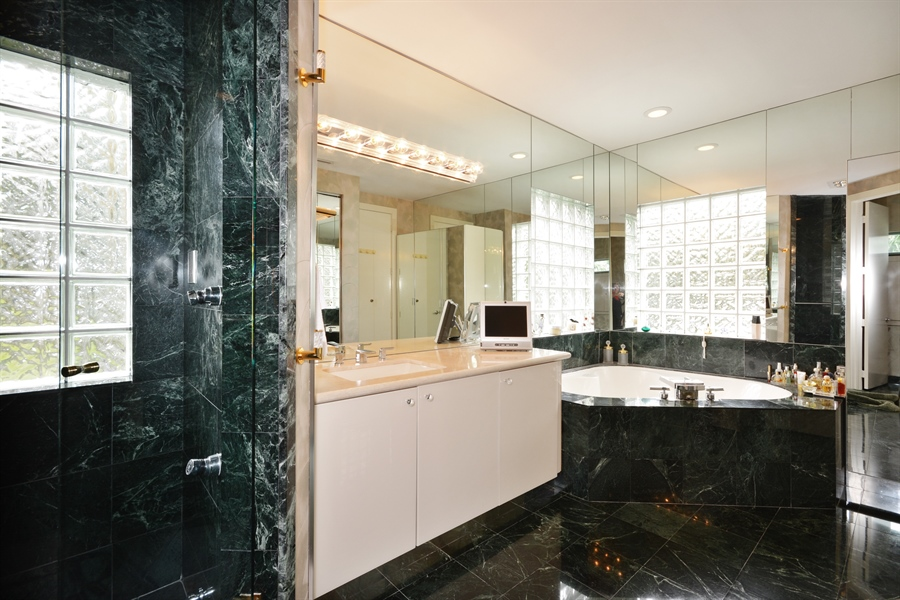 Real Estate Photography - 450 SW 17th St, Boca Raton, FL, 33432 - Master Bathroom