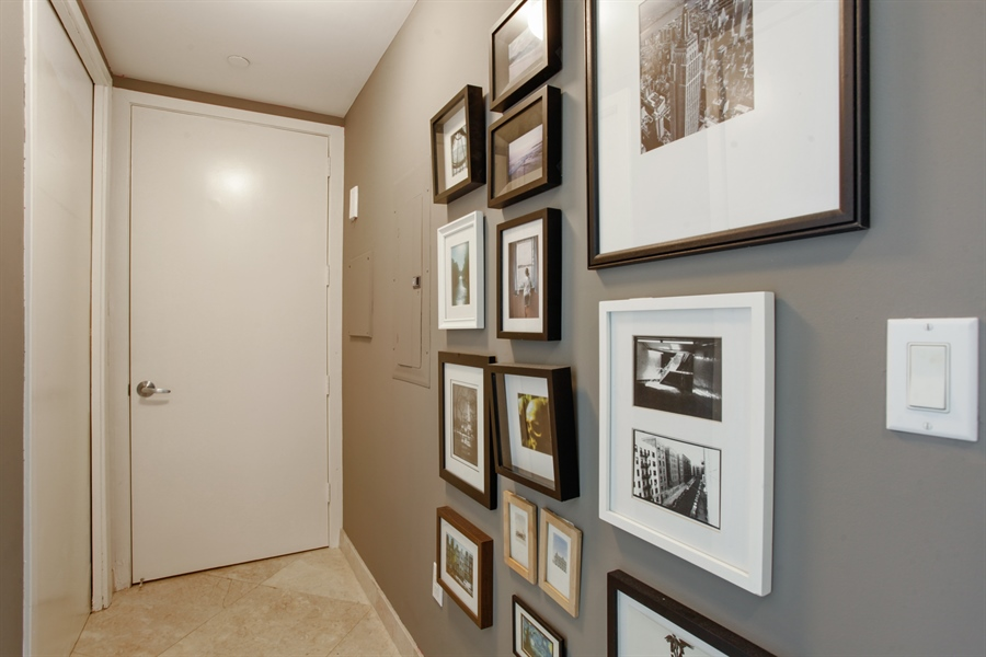 Real Estate Photography - 1040 Biscayne Blvd, 1605, Miami, FL, 33132 - Hallway