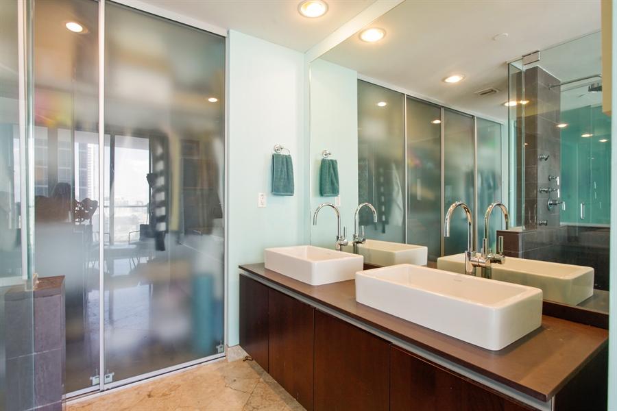 Real Estate Photography - 1040 Biscayne Blvd, 1605, Miami, FL, 33132 - Bathroom