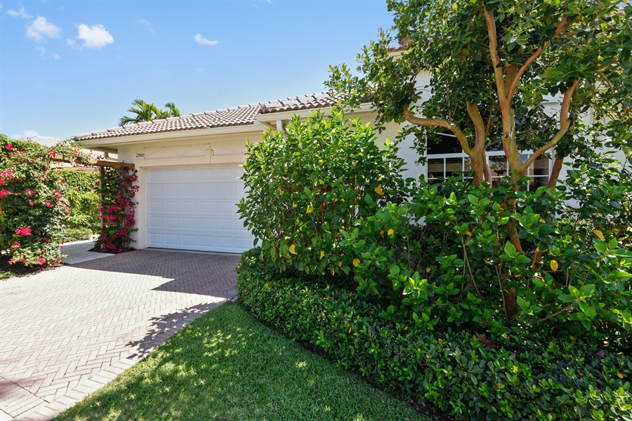Real Estate Photography - 2900 Twin Oaks Way, Wellington, FL, 33414 - Front View