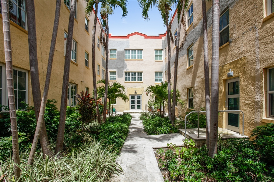 Real Estate Photography - 1308 Drexel Ave, 209, Miami Beach, FL, 33139 - Courtyard