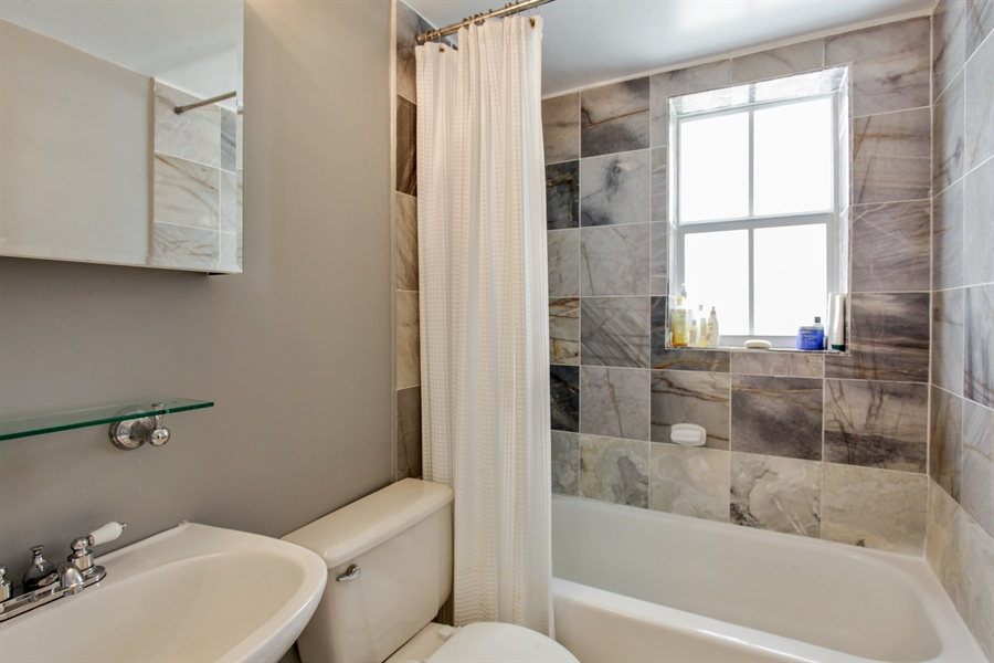 Real Estate Photography - 1308 Drexel Ave, 209, Miami Beach, FL, 33139 - Bathroom