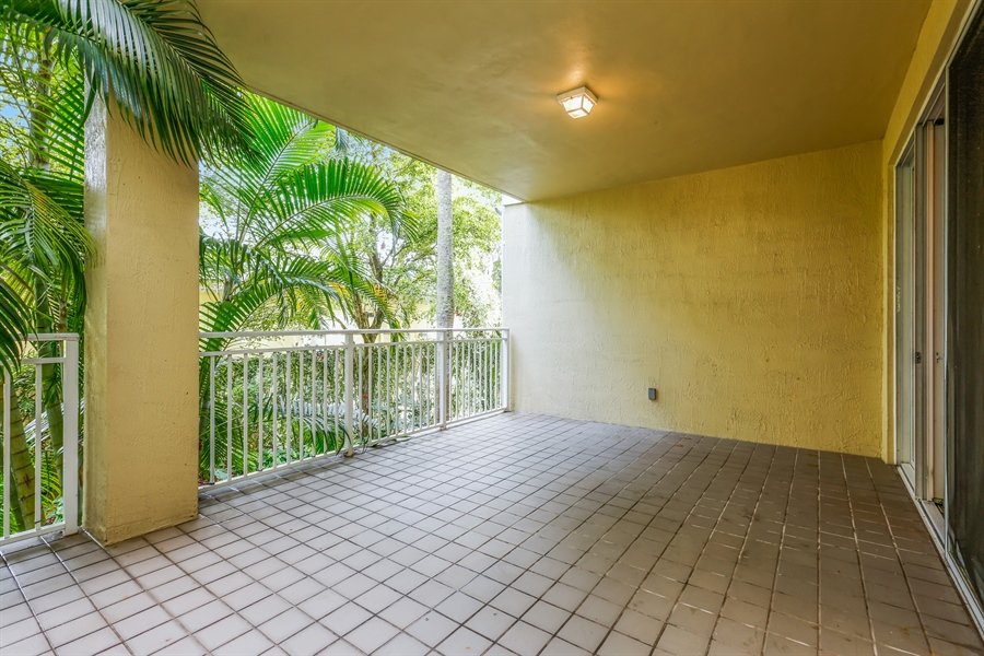 Real Estate Photography - 7604 SW 102nd St, 123, Pinecrest, FL, 33156 - Back Terrace
