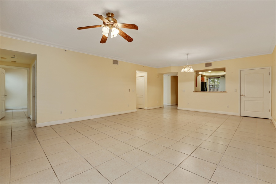 Real Estate Photography - 7604 SW 102nd St, 123, Pinecrest, FL, 33156 - Living Room