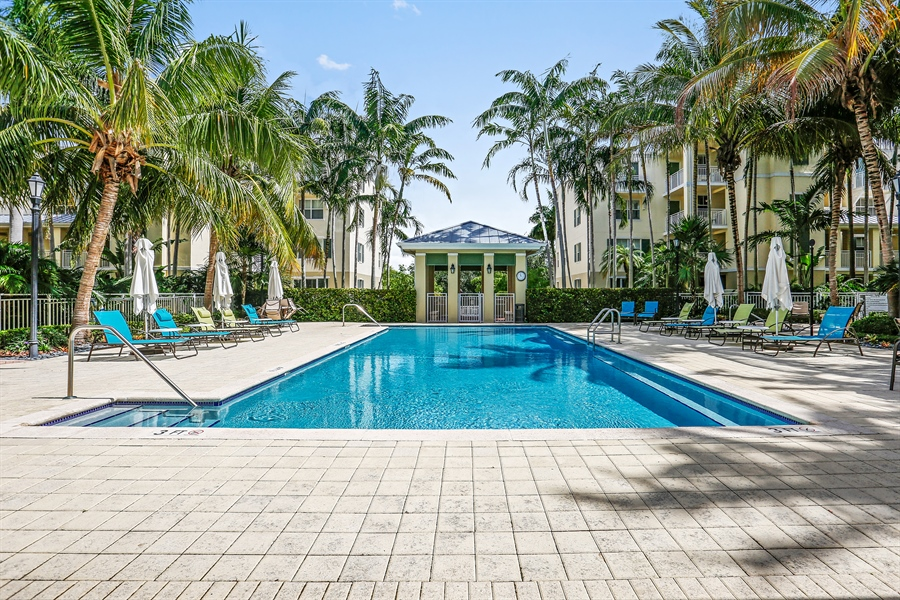 Real Estate Photography - 7604 SW 102nd St, 123, Pinecrest, FL, 33156 - Pool