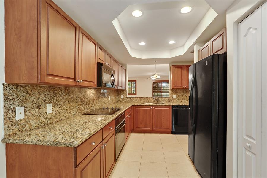Real Estate Photography - 7604 SW 102nd St, 123, Pinecrest, FL, 33156 - Kitchen
