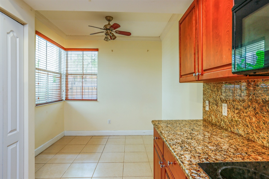 Real Estate Photography - 7604 SW 102nd St, 123, Pinecrest, FL, 33156 - Eat-in Kitchen Area