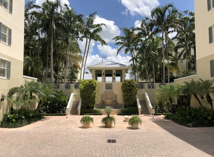 Real Estate Photography - 7604 SW 102nd St, 123, Pinecrest, FL, 33156 -