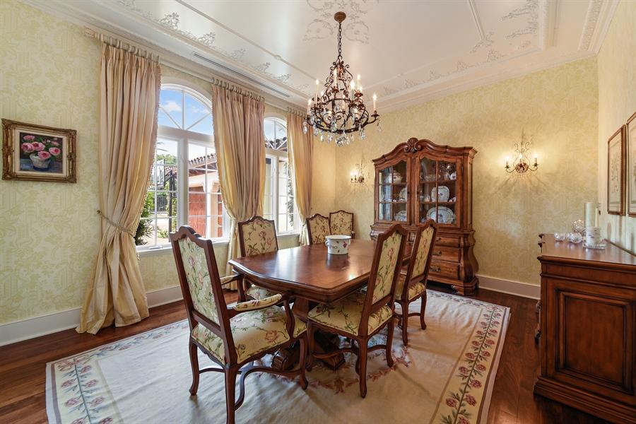 Real Estate Photography - 105 Casa Bendita, Palm Beach, FL, 33480 - Dining Room