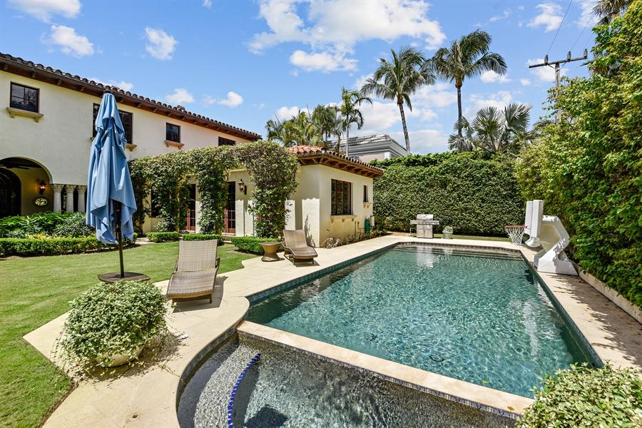 Real Estate Photography - 105 Casa Bendita, Palm Beach, FL, 33480 - Pool