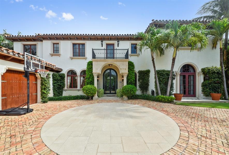 Real Estate Photography - 105 Casa Bendita, Palm Beach, FL, 33480 - Front View