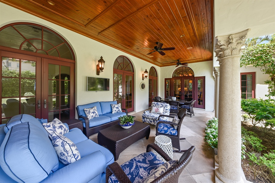 Real Estate Photography - 105 Casa Bendita, Palm Beach, FL, 33480 - Patio