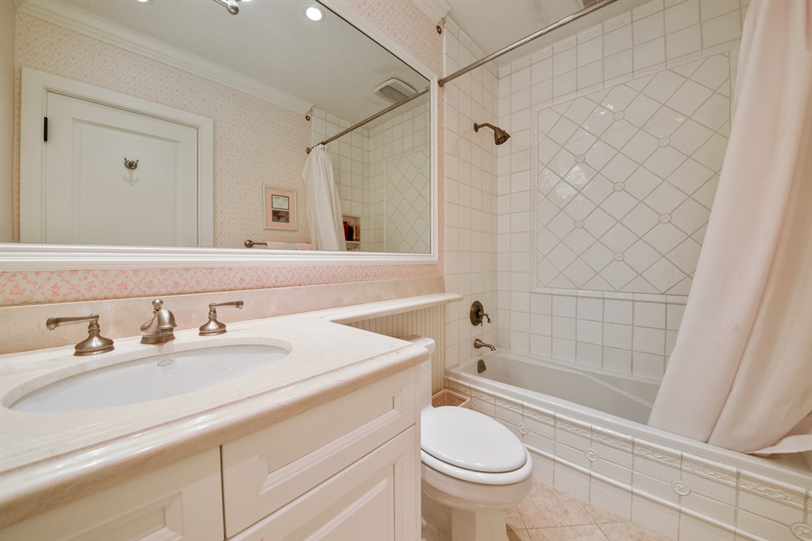 Real Estate Photography - 105 Casa Bendita, Palm Beach, FL, 33480 - 2nd Bathroom
