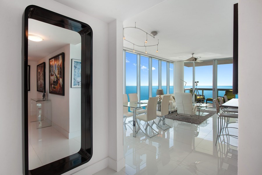 Real Estate Photography - 6899 Collins Avenue, #905, Miami, FL, 33141 - Dining Room