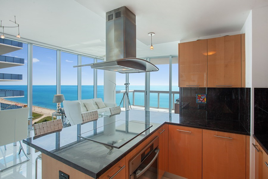 Real Estate Photography - 6899 Collins Avenue, #905, Miami, FL, 33141 - Kitchen / Living Room