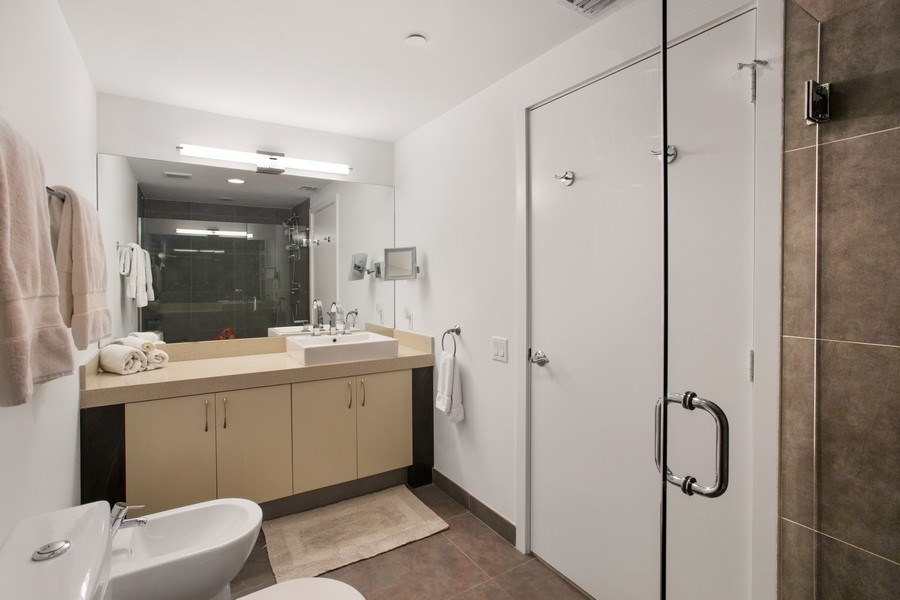 Real Estate Photography - 2135 Washington Ct #TH5, Miami Beach, FL, 33139 - Master Bathroom