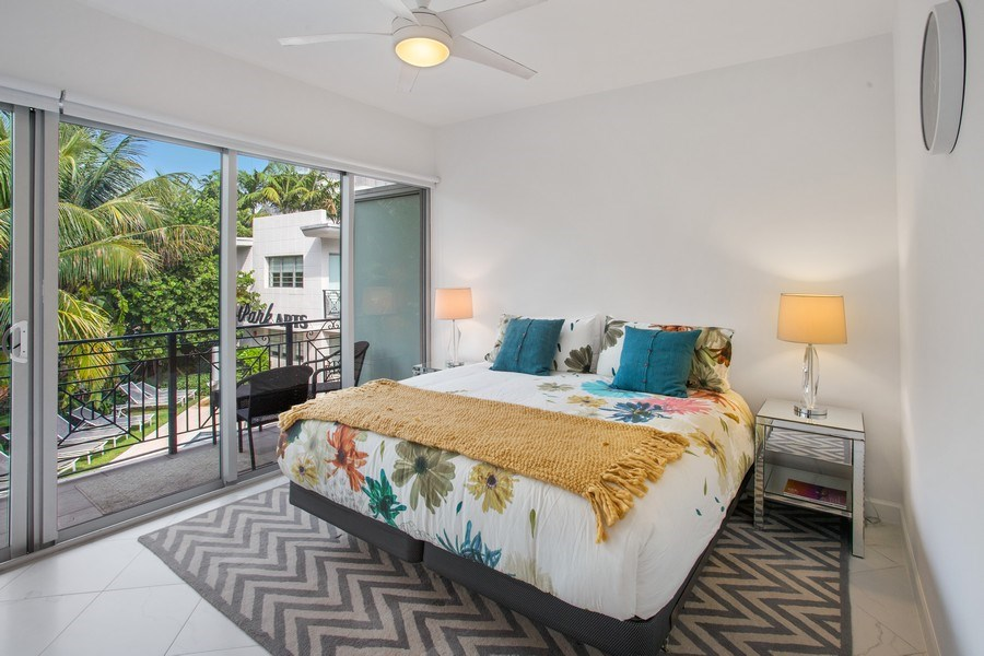 Real Estate Photography - 2135 Washington Ct #TH5, Miami Beach, FL, 33139 - Master Bedroom