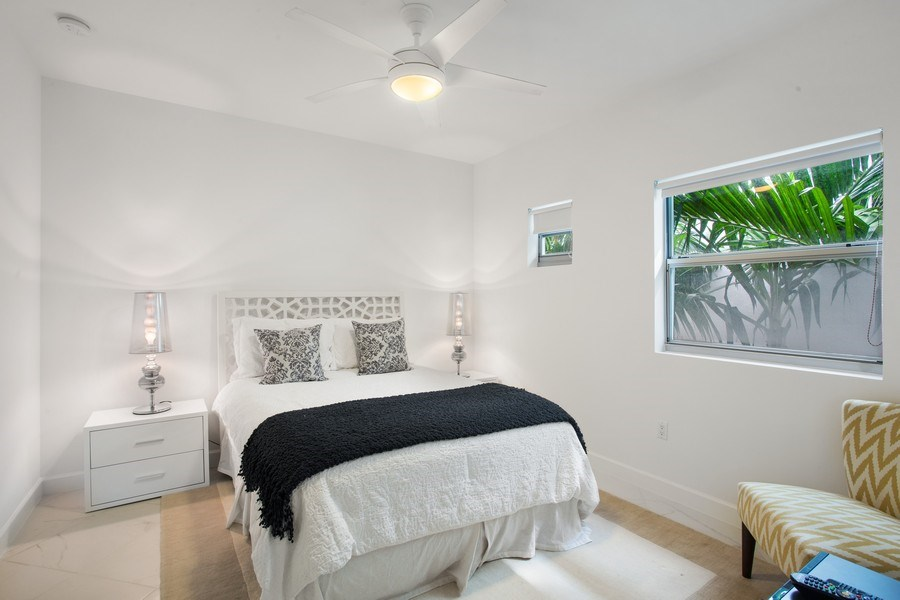 Real Estate Photography - 2135 Washington Ct #TH5, Miami Beach, FL, 33139 - 2nd Bedroom