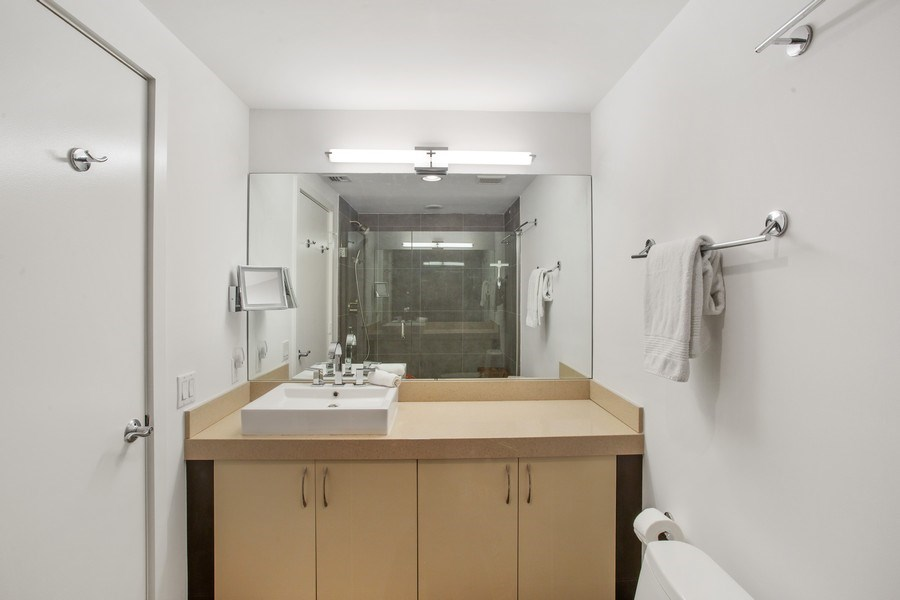 Real Estate Photography - 2135 Washington Ct #TH5, Miami Beach, FL, 33139 - 2nd Bathroom