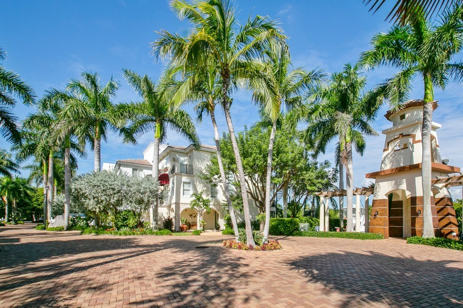 Real Estate Photography - 6018 Paradise Point Drive, Palmetto Bay, FL, 33157 -