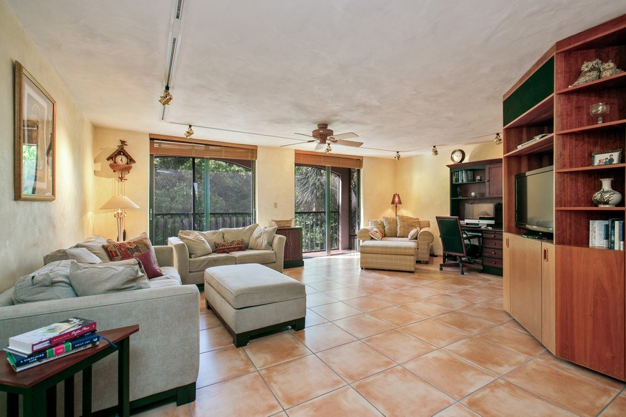 Real Estate Photography - 6018 Paradise Point Drive, Palmetto Bay, FL, 33157 - Study